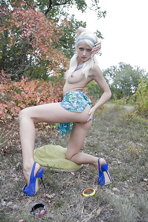 image Sexy blondie uses any method she can think off to make her boyfriend explode all over her feet Part 4