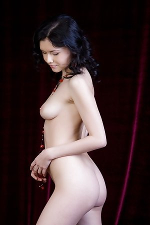 Attractive nude asian cutie craves for cock