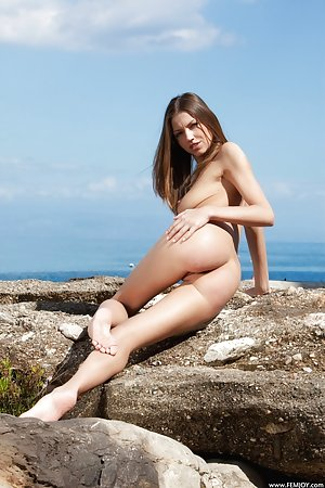 A very hot day by the beach in the nude