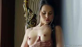 Lonely brunette knows how to satisfy herself