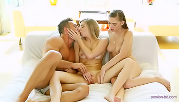 Two girls like to fuck one guy